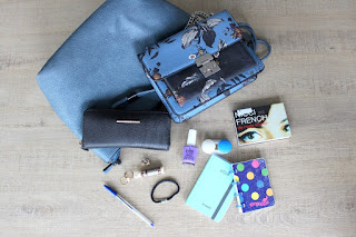Clothes & Dreams: What's in my bag?