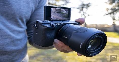Menilik Spesifikasi Aplha 6400, Kamera Terbaru dan Terunik untuk Para Youtuber