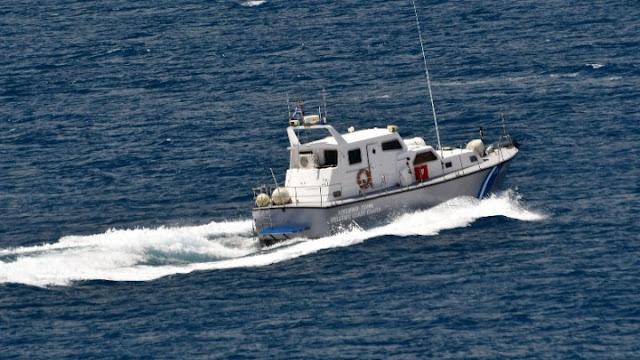 Βυθίστηκε πλοίο στο Μυρτώο Πέλαγος - Μεγάλη επιχειρηση του Λιμενικού - Σώα τα 16 μέλη του πληρώματος