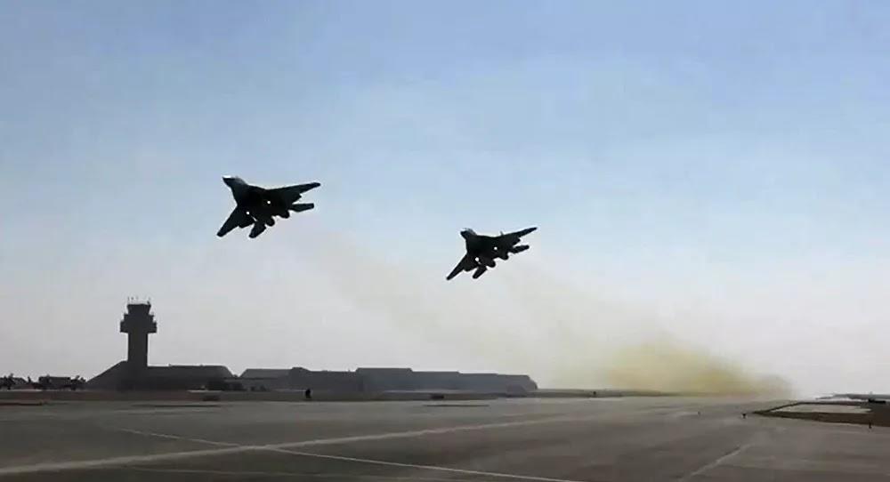 طائرات حربية مصرية وسودانية تحلق فوق نهر النيل... فيديو