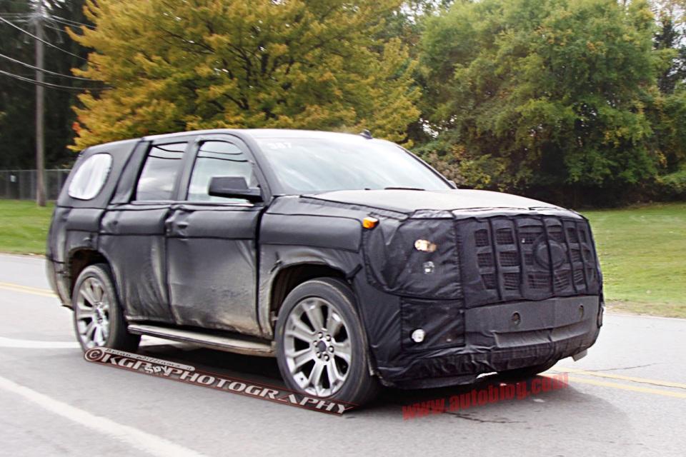 New Generation 2014 Cadillac Escalade spyshots - Garage Car