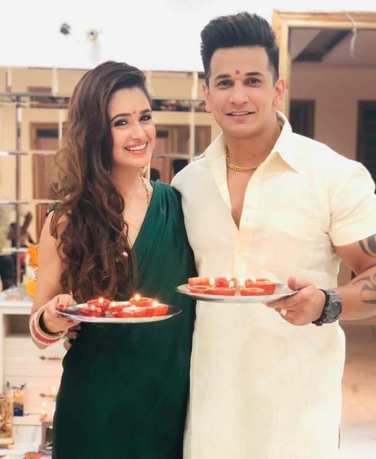 diwali pose for couple