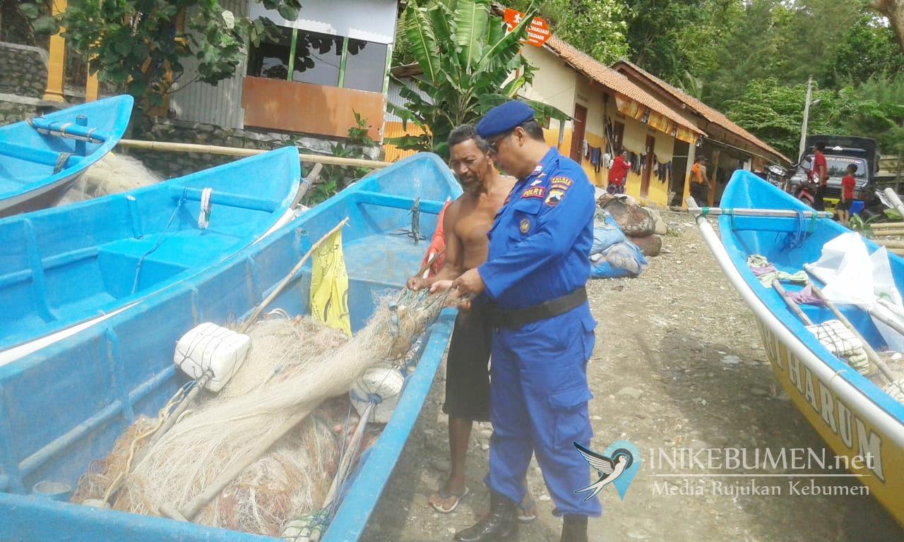 Saat Berlayar, Nelayan Kebumen Diimbau Kenakan Pelampung