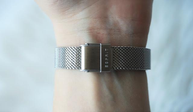 Zegarek na srebrnej bransolecie Esprit