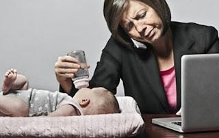Ibu Bekerja: Dampaknya Perkembangan Bagi Anak