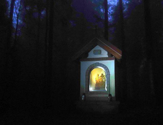Kapliczka drogi krzyżowej na Miejskiej Górze.