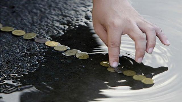 क्या आप को पता है नदी में सिक्के डालने के पीछे का रहस्य