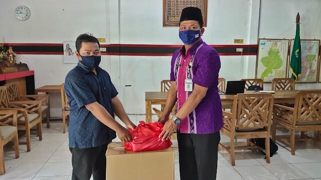 Penyerahan Bantuan Face Shield dan Masker Bpk H. Andang Wahyu Triyanto SE, MM Kepada SMP Negeri 1 Nalumsari