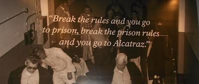 Alcatraz - frase dentro da prisão