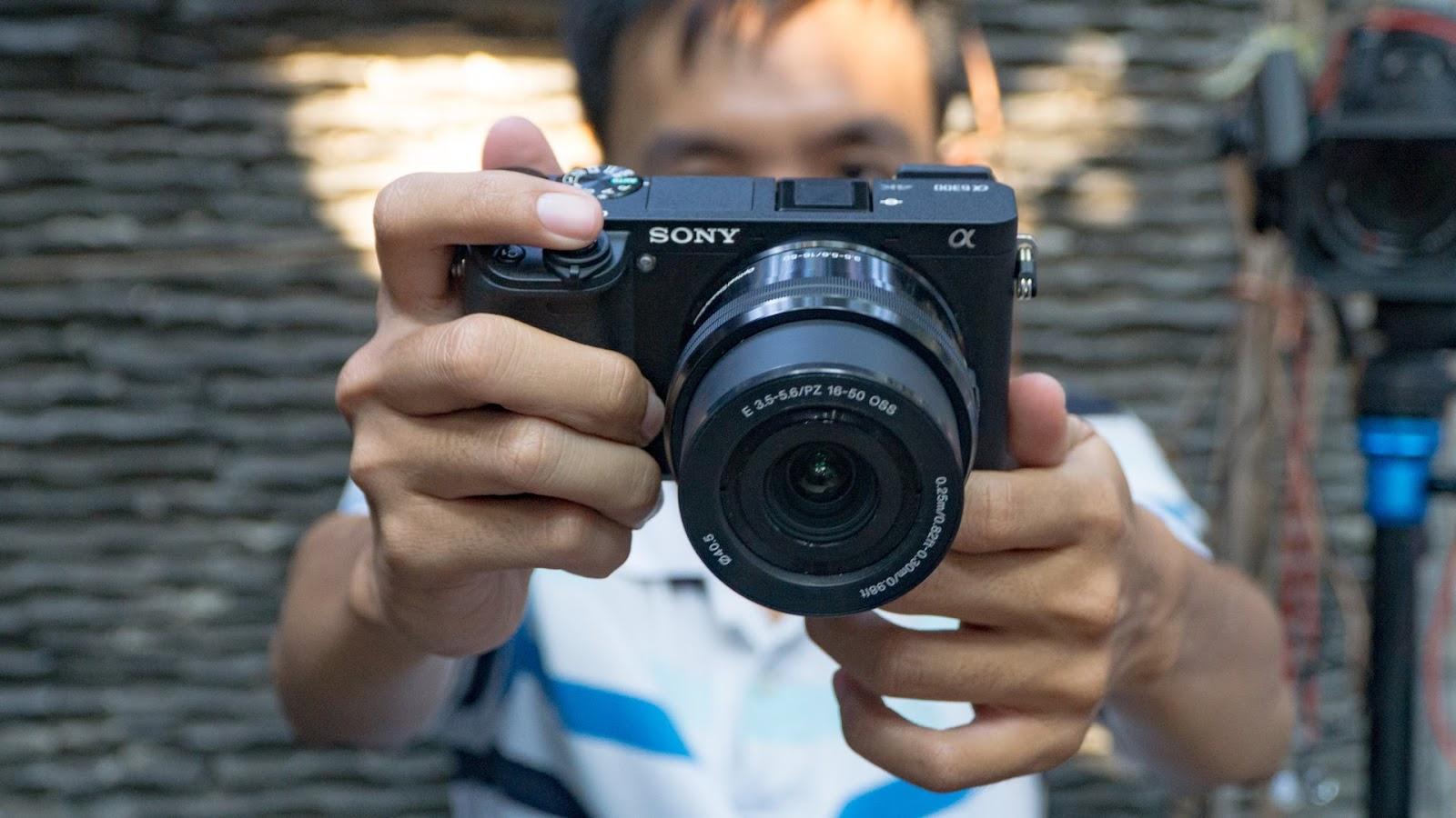 Hướng dẫn chọn mua máy quay phim làm youtube vlog
