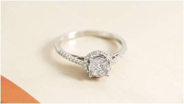 Tips Membeli Cincin Pernikahan Berlian Mewah Tipe Custom