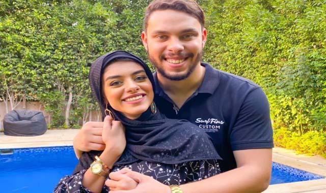أحمد حسن وزينب أشهر يوتيوبر مصري يعلنان مغادرة مصر نهائيا
