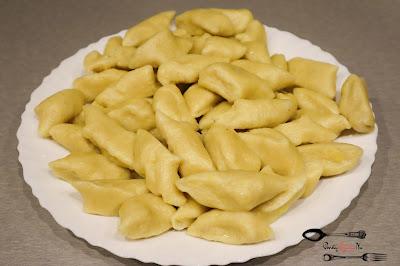 dania obiadowe, dania z ziemniaków, domowe kopytka, KOPYTKA, przepis na kopytka, tradycyjny przepis na kopytka,