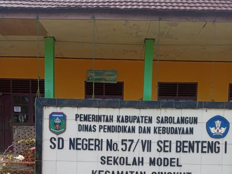 Kadis Pendidikan Sarolangun Minta  Sekolah Wajib Pasang foto Presiden dan Wakil