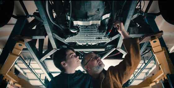 ayah dan anak merakit lamborghini aventador dengan printer 3d