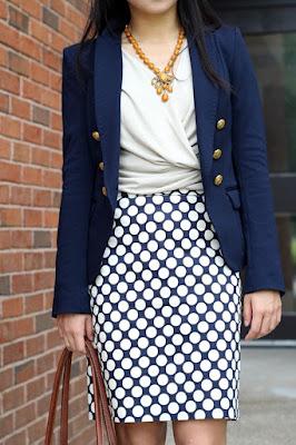 usar branco e azul na moda