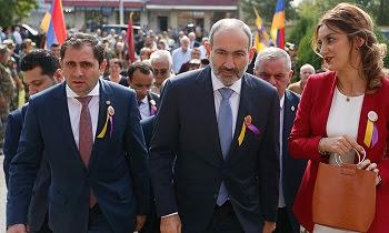 Etchmiadzin celebra su 2704 aniversario