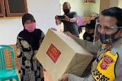 Wujud Kepedulian, Kapolres Majalengka Beri Sembako dan Ratusan Masker pada Warganya