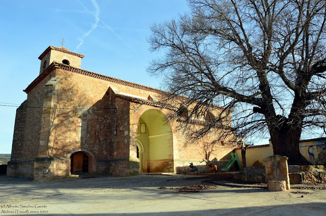 alobras-teruel-iglesia-parroquial-plaza-olmo