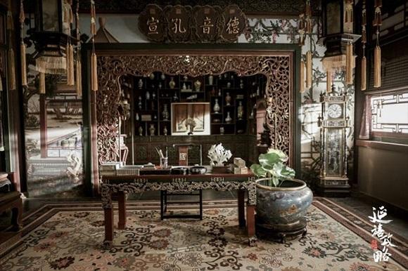 Meubelair istana yang asli