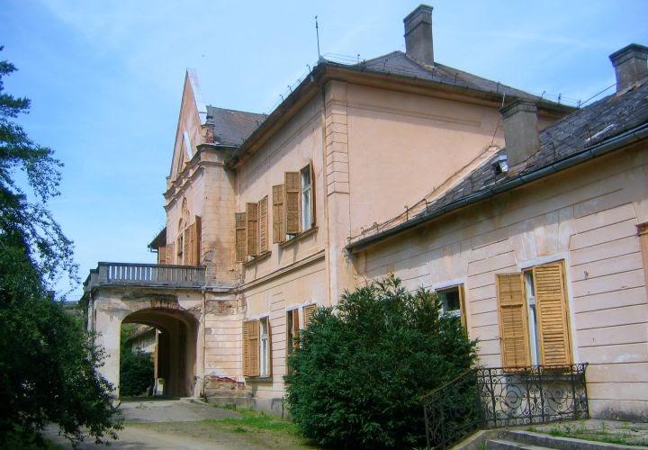 Castelul Moconyi, Bulci