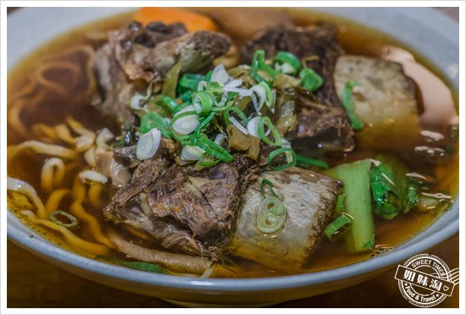 台東東鼎牛肉麵 - 特調醬料別的地方吃不到