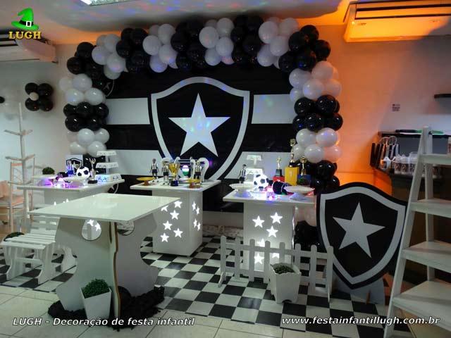 Decoração provençal para festa de aniversário tema do Botafogo - Mesa decorativa de futebol provençal simples