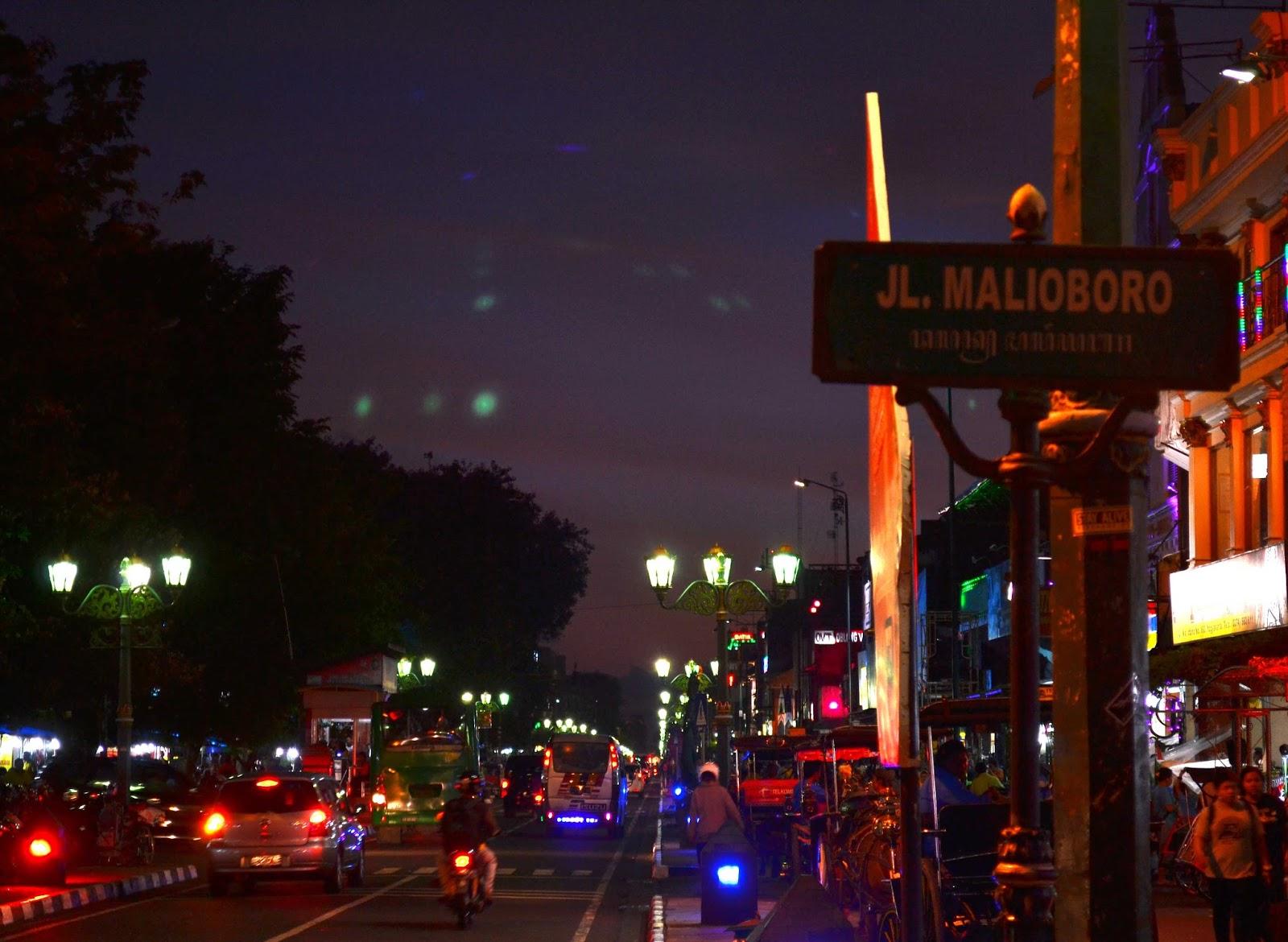 Jalan Malioboro - Destinasi Wisata Malam Yogyakarta