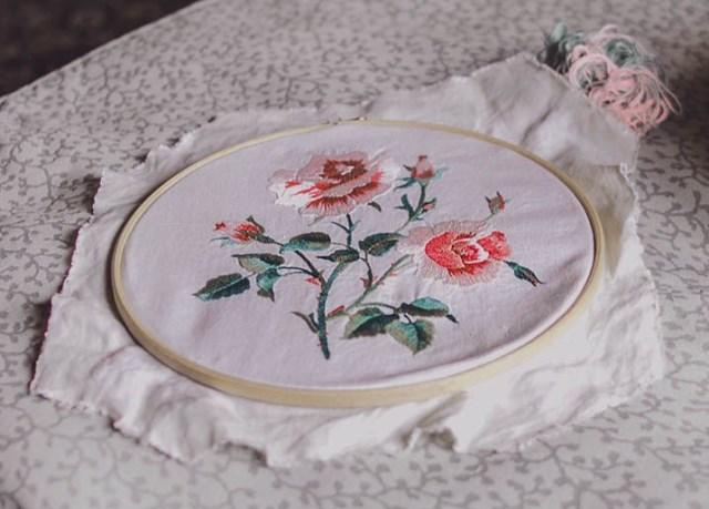 Hình thêu đâm xô hoa hồng