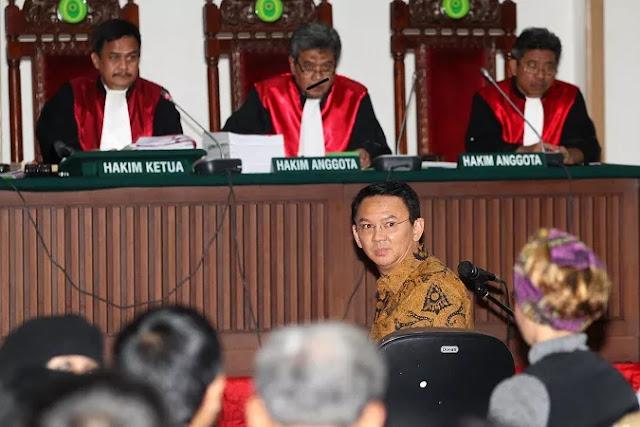 Majelis Hakim Cecar Kedekatan Wakil Rektor Universitas Darma Persada dengan Ahok