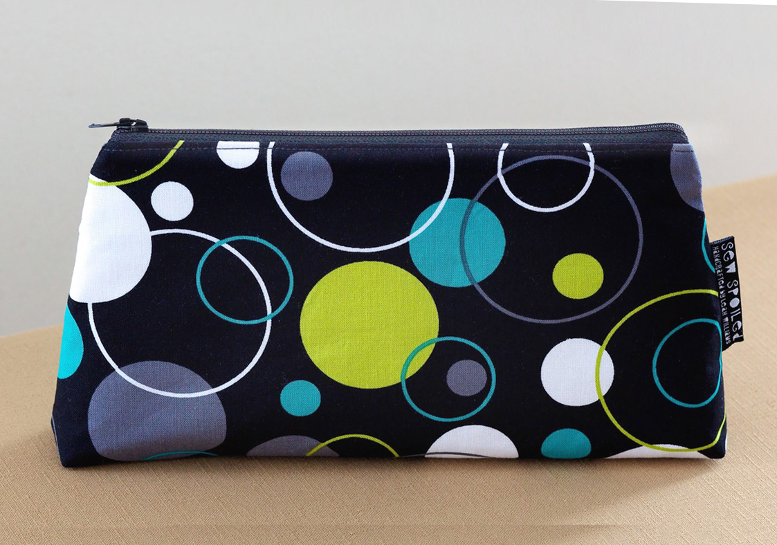 Makeup Bag - Cosmetic Case Tutorial