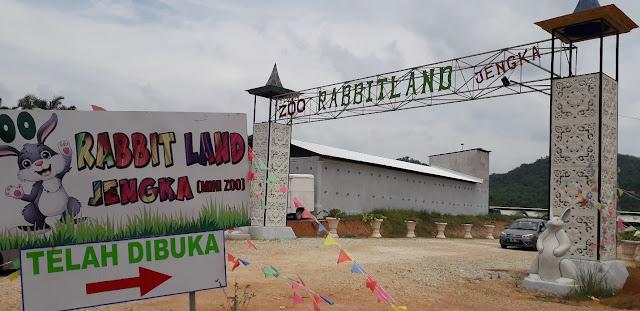 Gerbang utama Rabbitland @ Jengka