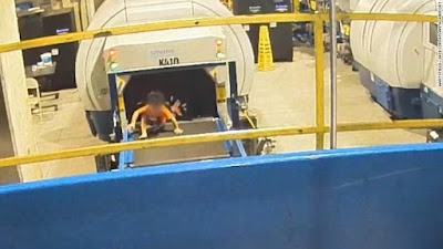 Balita AS Terluka Usai Terjebak di Conveyor Belt di Bandara Atlanta