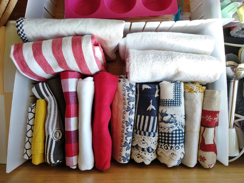 Organizei as roupas com o método Konmari - Antes e Depois