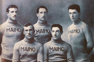 The Maino squad for the 1913 Giro d'Italia. Carlo Oriani is second from the left
