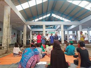 চট্টগ্রাম রেলস্টেশনের ই-স্কুল পরিদর্শনে দূর্বার তারুণ্যসহ আবিদ
