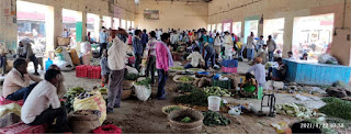 नवीन सब्जी मण्डी में नहीं हो रहा सामाजिक दूरी का पालन | #NayaSaberaNetwork