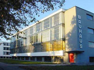 Bauhaus-Germania-architettura-facciata continua