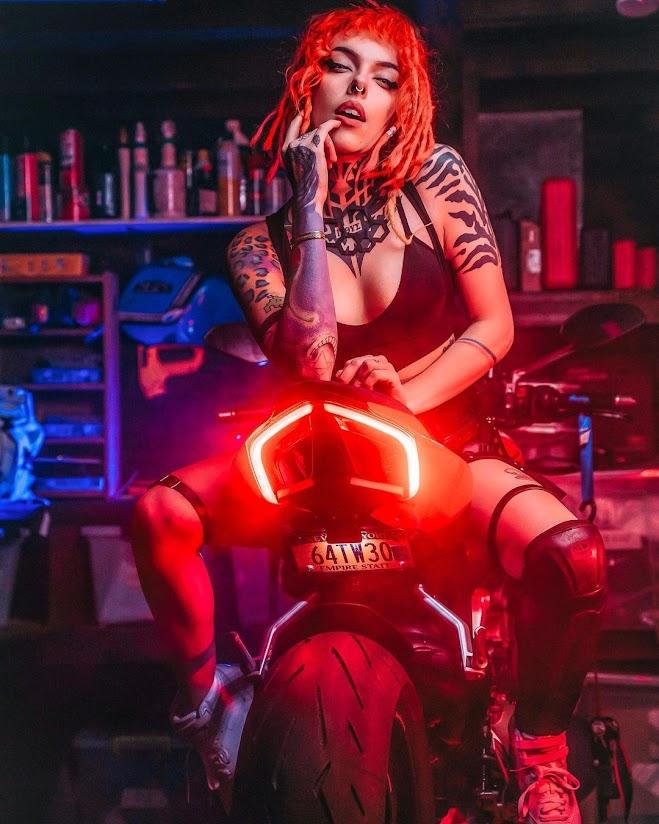 Torie Robot, Cyberpunk Girl - Image Johnny Puetz