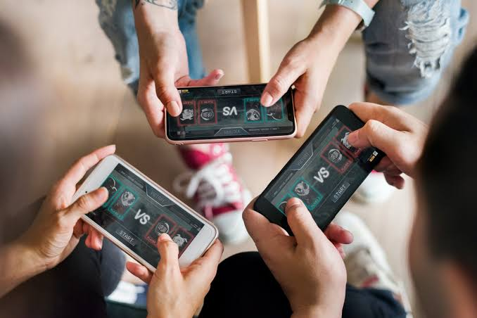 Dampak Terlalu Sering Bermain Game Online bagi Kesehatan