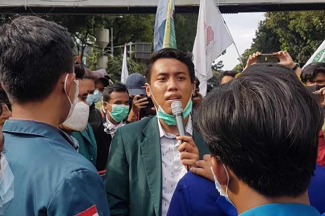 Ancam Ciptakan Kegentingan Nasional, BEM SI Ultimatum Jokowi untuk Terbitkan Perppu dalam 8x24 Jam