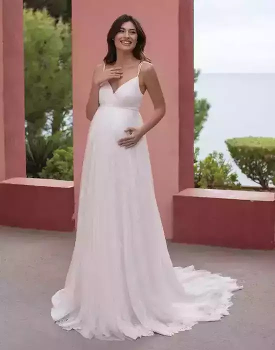 Robes de mariée en dentelle pour femmes enceintes - white one
