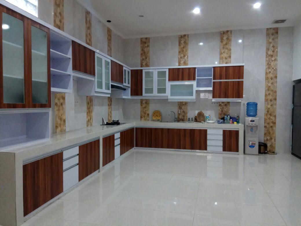 Kitchen set minimalist di taman sari jakarta barat