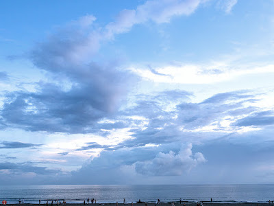the blue of summer sky: Yuigahama-beach (Kamakura)