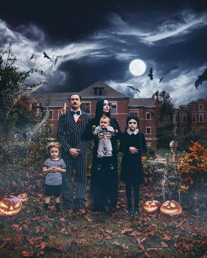 03-The-Addam-s-Family-Alexandria-Slens-www-designstack-co