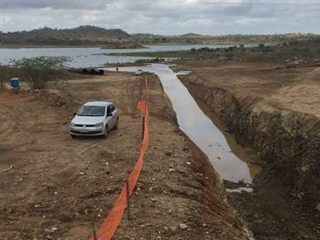 Água do São Francisco chega a Camalaú; veja vídeo