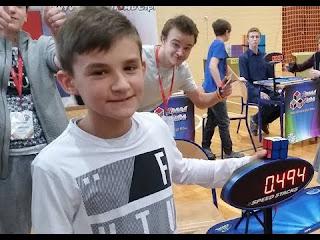 Maciej Czapiewski merupakan cuber dengan rekor terlama
