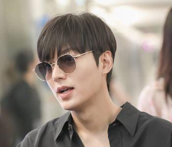 Lee min ho noticias 2019: Celebridad coreana fue captado en el aeropuerto hacia Taiwan (24-062019)