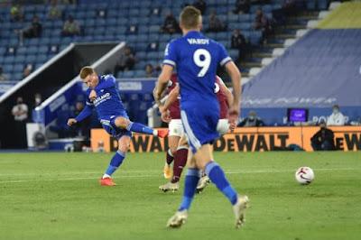 ملخص واهداف مباراة ليستر سيتي وبيرنلي (4-2) الدوري الانجليزي