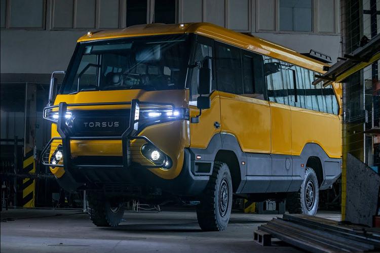 Torsus Praetorian 4x4 - xe buýt off-road 'bá đạo' nhất hành tinh